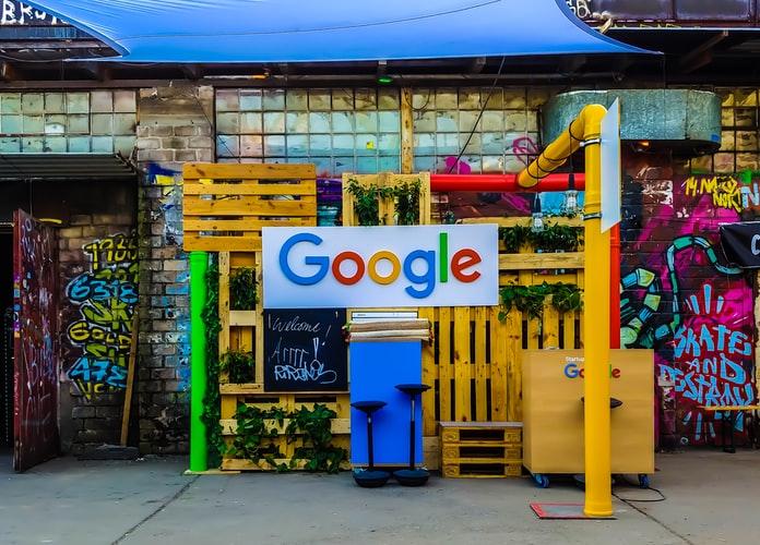 cartel de google con colores de marca. imagen ilustrativa
